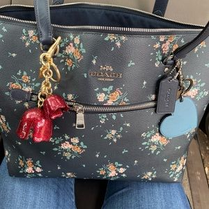😱😍 beautiful floral coach large zip tote